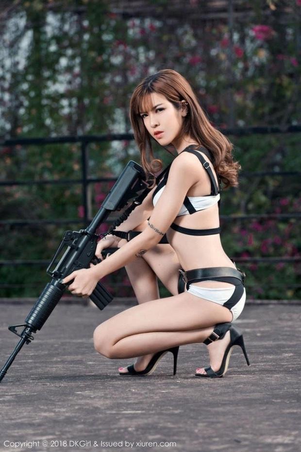 Chiêm ngưỡng những bộ cosplay PUBG nóng bỏng mắt, chỉ nhìn thôi đã muốn vác súng lên chạy bo - Ảnh 20.