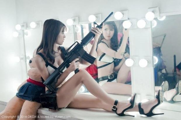 Chiêm ngưỡng những bộ cosplay PUBG nóng bỏng mắt, chỉ nhìn thôi đã muốn vác súng lên chạy bo - Ảnh 17.