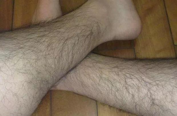 Có 3 điểm trên cơ thể nam giới nếu càng lắm lông lại càng chứng tỏ sức khỏe thận rất tốt - Ảnh 2.
