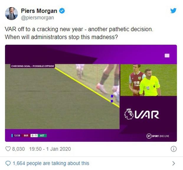 VAR ở Ngoại hạng Anh ngày càng quá đáng: Nhà nhà oán thán, cả trận đấu bỗng chốc thu bé lại vừa bằng 1 centimet - Ảnh 4.