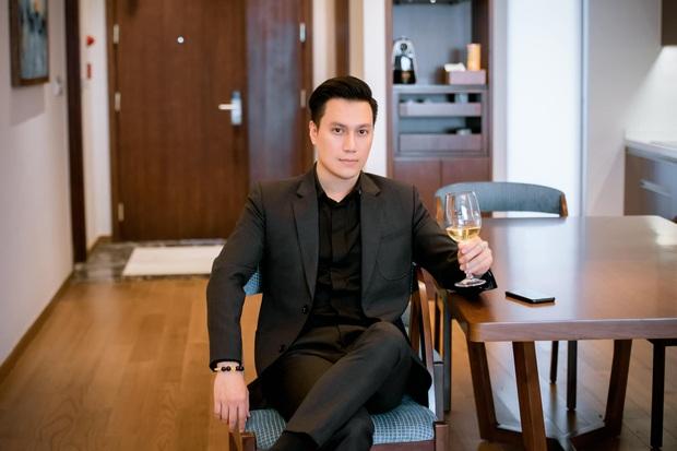 Dàn mỹ nam VTV hiếm hoi hội ngộ chung khung hình: Ai cũng điển trai nhưng nhan sắc hậu thẩm mỹ của Việt Anh mới đáng chú ý - Ảnh 4.