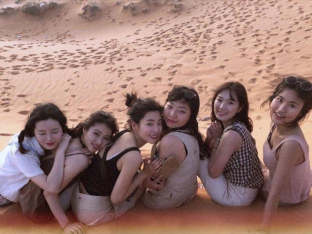 Mùng 2 đã có sao Hàn đến Việt Nam mở bát: Tiểu mỹ nhân SKY Castle và nhóm bạn chụp ảnh vi vu như hậu trường lookbook - Ảnh 2.
