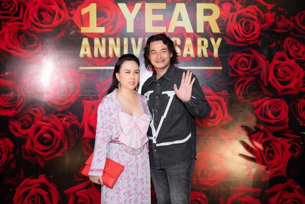 """Chiếc áo nơ hot nhất lúc này đã khiến Phượng Chanel bất chấp dù """"đụng"""" từ Jennie, Liu Wen tới Châu Bùi - Ảnh 4."""