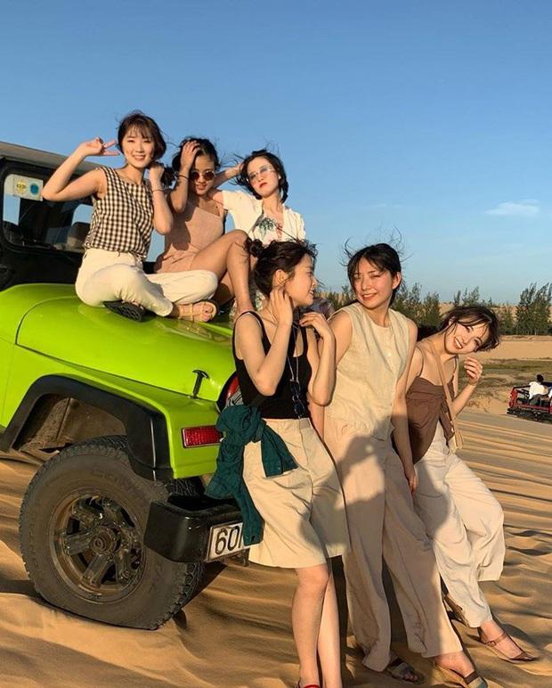Mùng 2 đã có sao Hàn đến Việt Nam mở bát: Tiểu mỹ nhân SKY Castle và nhóm bạn chụp ảnh vi vu như hậu trường lookbook - Ảnh 1.