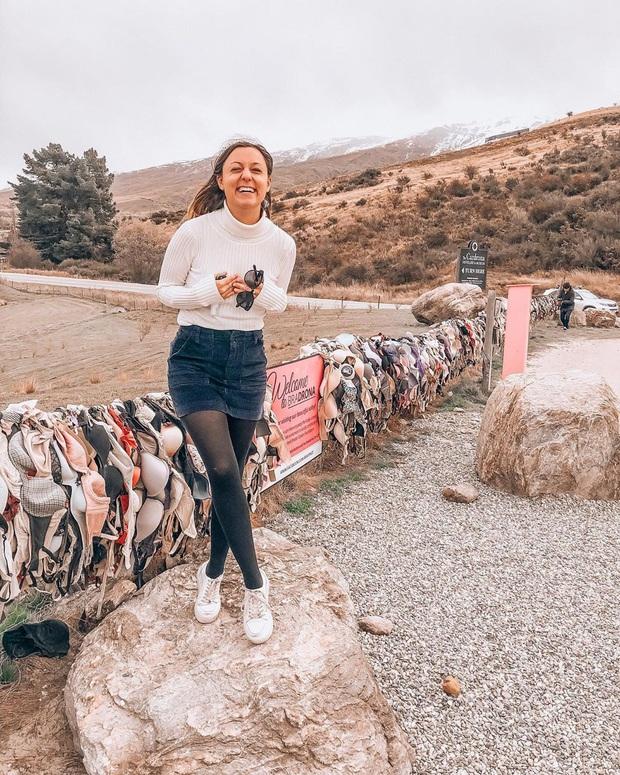 """""""Hàng rào áo ngực"""" độc nhất thế giới vô tình trở thành điểm check-in hút khách tại New Zealand, tìm hiểu nguồn gốc hình thành ai cũng ngạc nhiên - Ảnh 5."""