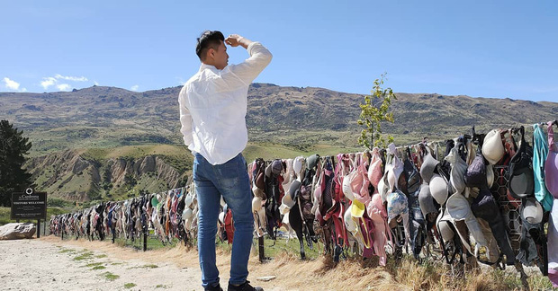 """""""Hàng rào áo ngực"""" độc nhất thế giới vô tình trở thành điểm check-in hút khách tại New Zealand, tìm hiểu nguồn gốc hình thành ai cũng ngạc nhiên - Ảnh 4."""