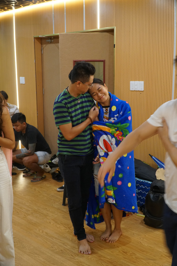 Ngày đầu tập luyện Táo Xuân 2020: Nam Thư gợi cảm, đối lập với Á hậu Kiều Loan cực giản dị - Ảnh 9.