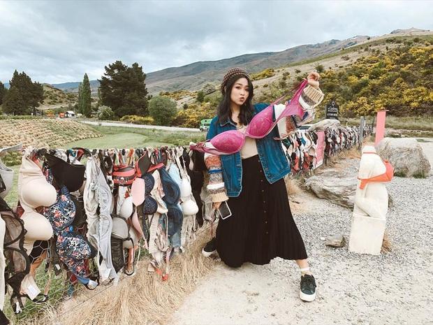 """""""Hàng rào áo ngực"""" độc nhất thế giới vô tình trở thành điểm check-in hút khách tại New Zealand, tìm hiểu nguồn gốc hình thành ai cũng ngạc nhiên - Ảnh 12."""