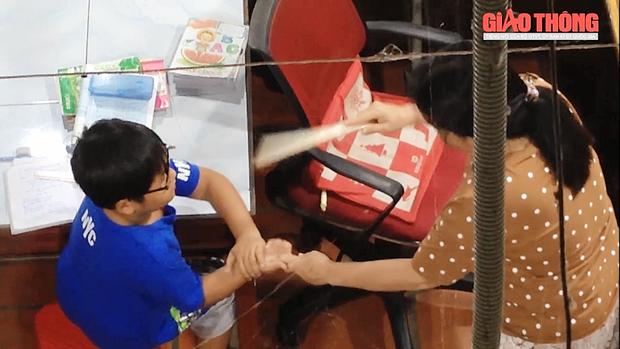Hàng xóm nói gì về cơ sở dạy thêm đánh đập học sinh dã man ở Ninh Thuận? - Ảnh 2.