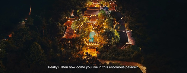 Bóc nhanh 6 chi tiết từ trailer Gái Già Lắm Chiêu 3 sao y bản chính Crazy Rich Asians: Cạn lời cảnh ngồi nặn bánh? - Ảnh 2.