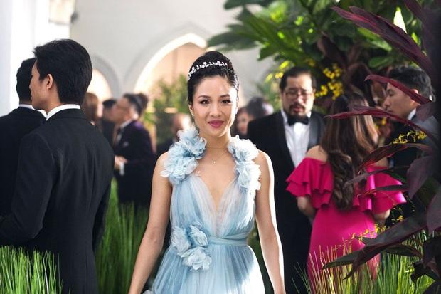Bóc nhanh 6 chi tiết từ trailer Gái Già Lắm Chiêu 3 sao y bản chính Crazy Rich Asians: Cạn lời cảnh ngồi nặn bánh? - Ảnh 6.