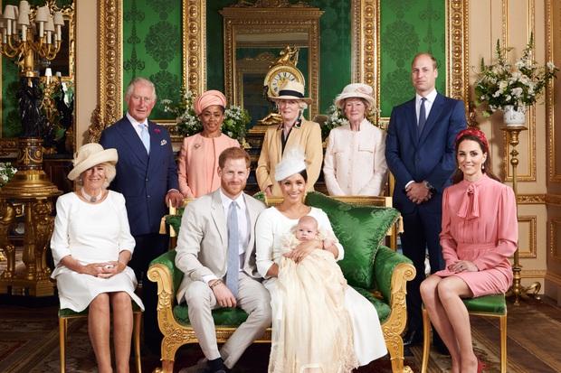 Mặc nghi vấn xích mích với Meghan Markle, Công nương Kate vẫn thêm hình của gia đình em dâu vào video tổng kết năm và được ca ngợi hết lời - Ảnh 6.