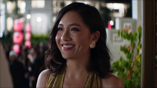 Bóc nhanh 6 chi tiết từ trailer Gái Già Lắm Chiêu 3 sao y bản chính Crazy Rich Asians: Cạn lời cảnh ngồi nặn bánh? - Ảnh 8.
