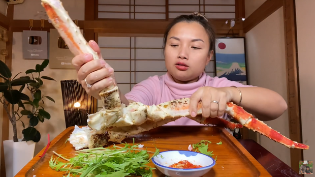 Quỳnh Trần JP đầu năm đã ăn mì gói vì siêu thị và chợ ở Nhật ngày Tết... chẳng còn gì để bán - Ảnh 7.