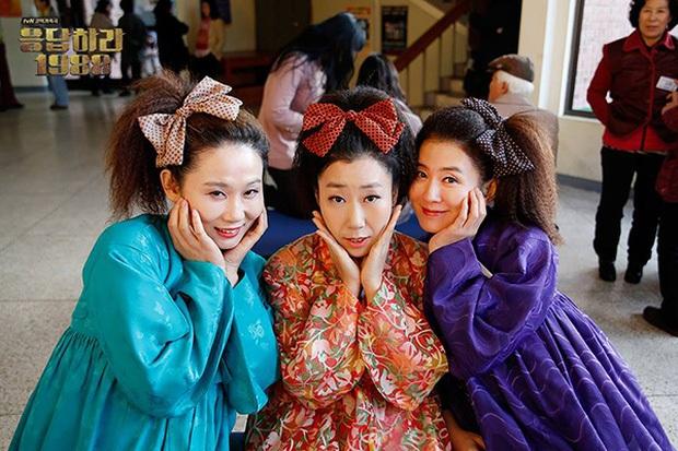3 bộ phim Hàn gây sốt với hội bà tám láng giềng quá đáng yêu: Đến Son Ye Jin (Crash Landing On You) cũng bị khuất phục! - Ảnh 1.