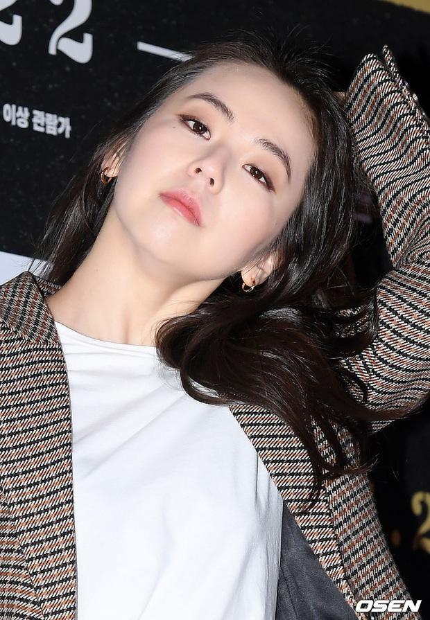 Lee Byung Hun bê cả nửa Kbiz lên thảm đỏ: Mỹ nhân Vườn sao băng đọ sắc với Kim So Hyun, Bi Rain đụng độ dàn nam thần - Ảnh 10.