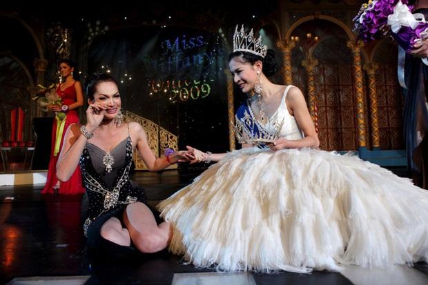 Chuyện đời những Hoa hậu chuyển giới hot nhất Thái Lan: Người đổi ngược thành nam sau 6 năm, người quyết đi tu - Ảnh 10.
