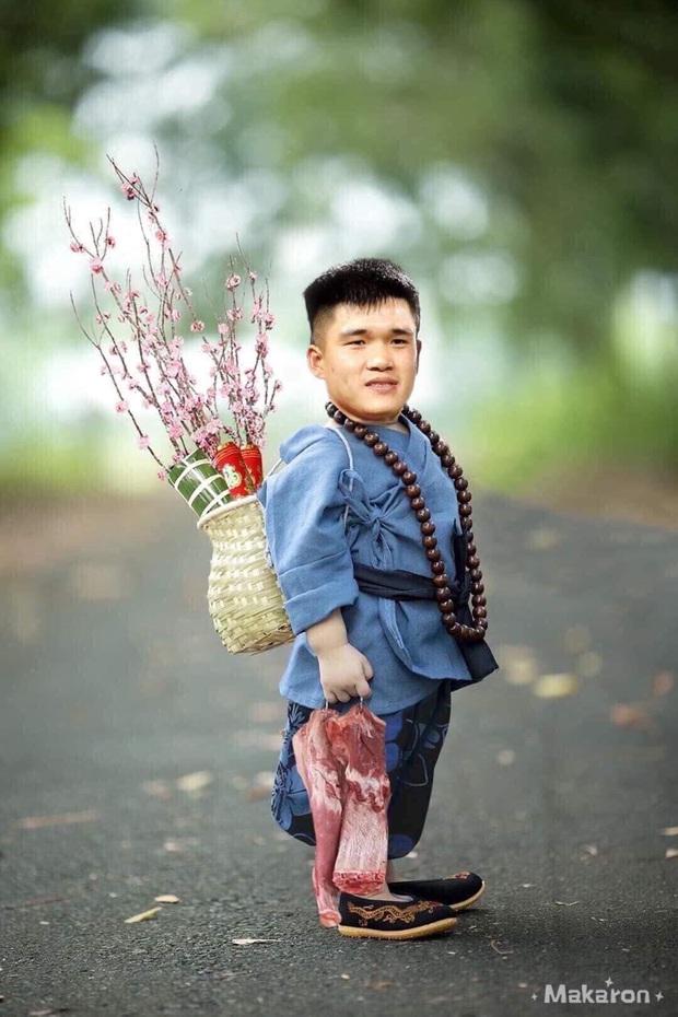 Cười lăn với ảnh chế tuyển thủ Việt Nam ngày giáp Tết: Quang Hải, Công Phượng đi buôn đào, thầy Park cũng hai tay hai cành đào chơi Tết - Ảnh 6.