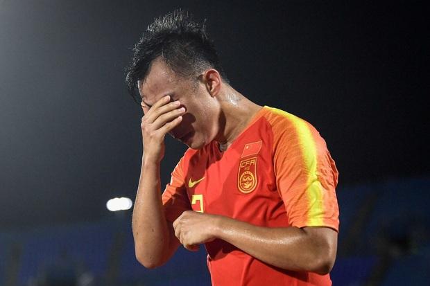 Cầu thủ Trung Quốc tiết lộ gây sốc: Toàn đội phải viết tường trình dài như văn đại học sau mỗi thất bại tại U23 châu Á, hạn nộp bản cuối là trước Tết - Ảnh 1.