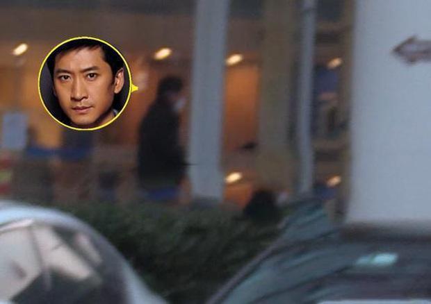 Bao năm giấu kín đời tư, ở tuổi 50 Nhĩ Khang Châu Kiệt mới lộ ảnh vợ con trước ống kính paparazzi? - Ảnh 1.