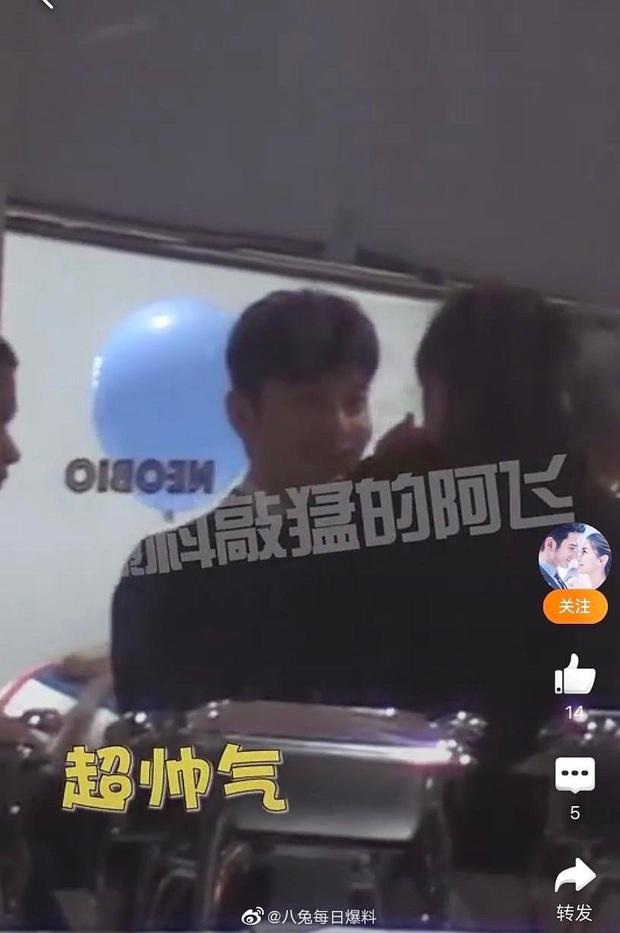Clip hot khiến Cnet nức nở: Huỳnh Hiểu Minh cùng Angela Baby mở siêu party sinh nhật con, Đặng Siêu bất ngờ xuất hiện - Ảnh 3.