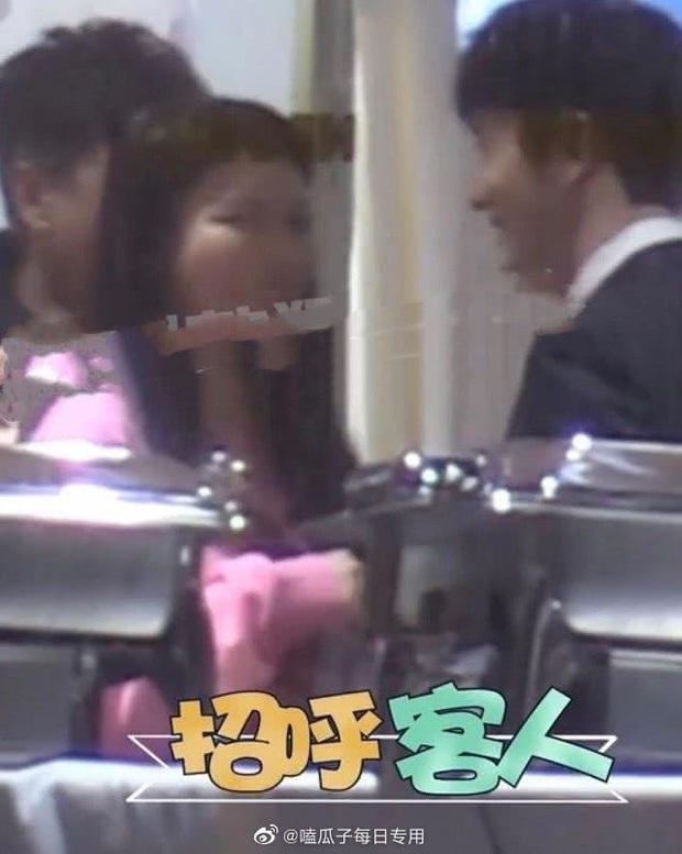 Clip hot khiến Cnet nức nở: Huỳnh Hiểu Minh cùng Angela Baby mở siêu party sinh nhật con, Đặng Siêu bất ngờ xuất hiện - Ảnh 4.