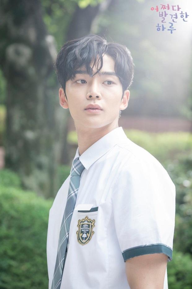 Jennie (BLACKPINK), Chungha cùng chàng mỹ nam 1m91 mới nổi là những idol tuổi Tý được kỳ vọng sẽ phát triển mạnh mẽ trong năm 2020 - Ảnh 5.