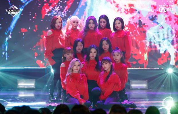 Hậu B.I rời nhóm, iKON chính thức có màn tái xuất đầu tiên ngay thời điểm 3 nhóm nữ hot chiến nhau tung toé - Ảnh 5.