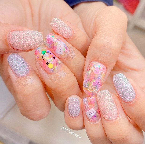 16 mẫu nail nhũ lóng lánh siêu xinh mà các chị em chưa kịp chốt sổ để diện Tết là tiếc hùi hụi - Ảnh 10.