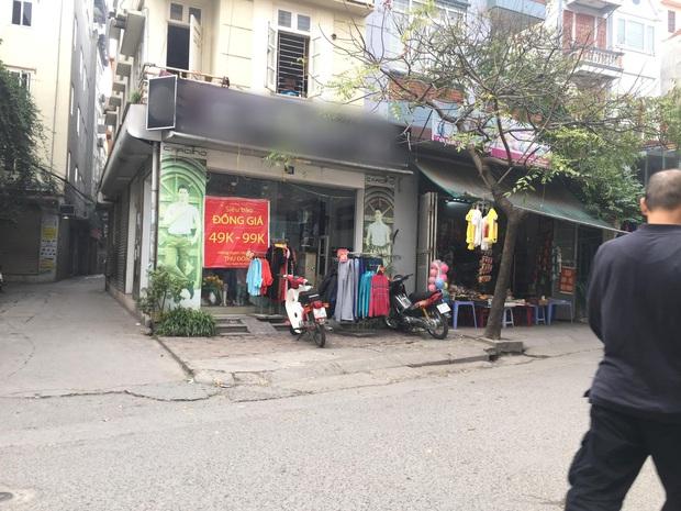 Vụ người phụ nữ mang bầu lái xe cán qua nia trái cây của cô bán hàng rong: Nữ nhân viên cửa hàng quần áo lên tiếng - Ảnh 2.