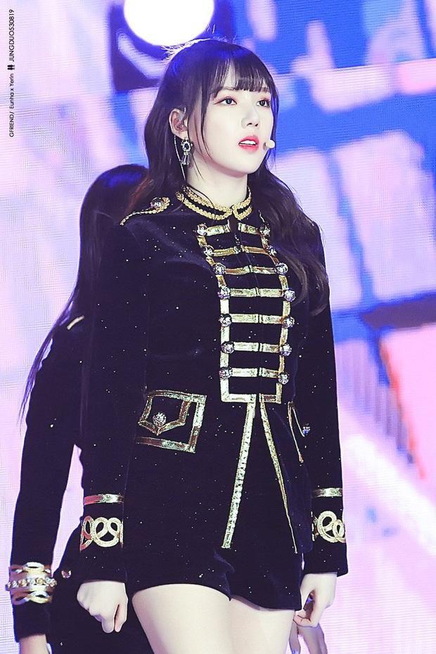 """Thần thái sân khấu của dàn nữ idol 96-line: Jennie (BLACKPINK) quyến rũ như nữ thần, thành viên TWICE và Red Velvet sexy hay cute đều """"cân"""" trọn - Ảnh 23."""