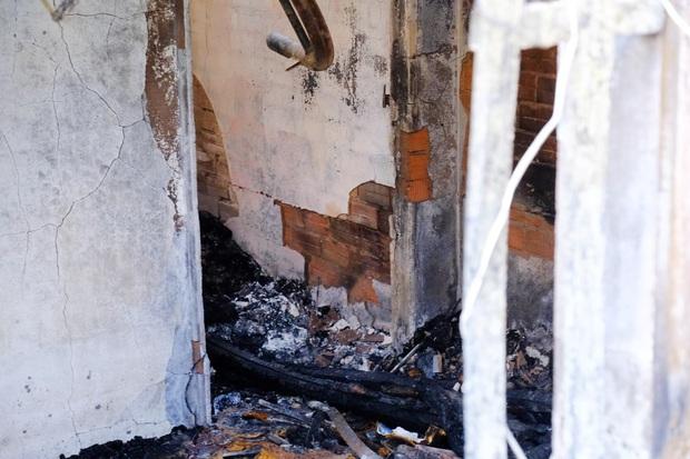 Ám ảnh bên trong căn nhà bị cháy khiến 5 mẹ con chết thảm ở Sài Gòn rạng sáng 27 Tết - Ảnh 4.