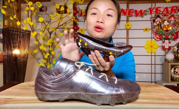 Thêm một điều kỳ lạ của nước Nhật trong vlog của Quỳnh Trần JP: Giày cao gót ăn được, bé Sa còn cực thích món này - Ảnh 8.