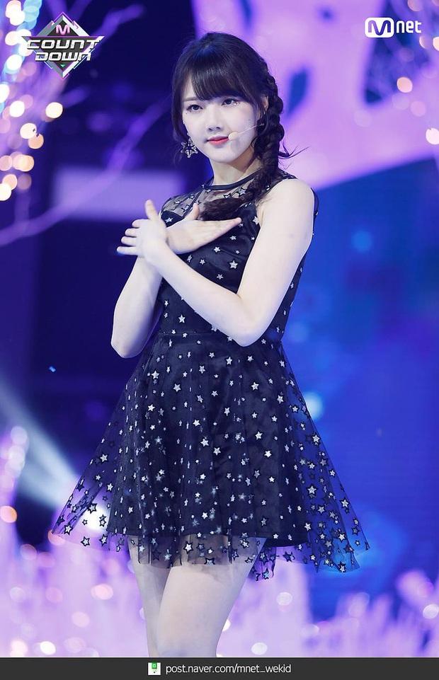 """Thần thái sân khấu của dàn nữ idol 96-line: Jennie (BLACKPINK) quyến rũ như nữ thần, thành viên TWICE và Red Velvet sexy hay cute đều """"cân"""" trọn - Ảnh 25."""