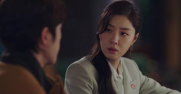 Hyun Bin - Son Ye Jin mụ mị đầu óc vì yêu ở Crash Landing On You: Nàng nhận nhầm bố chồng, chàng quên địa chỉ nhà crush - Ảnh 5.