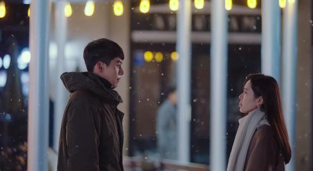 Hyun Bin - Son Ye Jin mụ mị đầu óc vì yêu ở Crash Landing On You: Nàng nhận nhầm bố chồng, chàng quên địa chỉ nhà crush - Ảnh 7.