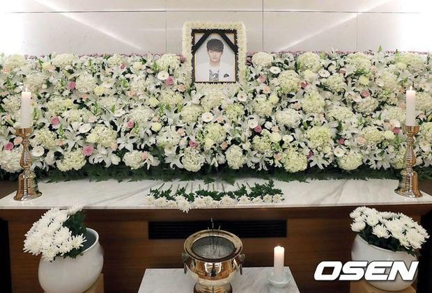 Rùng mình ngày tử thần hôm nay: Hết em trai Ha Ji Won và nữ ca sĩ Hàn tưởng niệm ngày mất, lại thêm 1 nghệ sĩ qua đời - Ảnh 2.