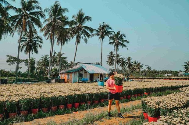 Đứng hình với loạt ảnh làng hoa Tết đẹp nhất miền Tây rực rỡ sắc màu từ trên cao, hoá ra lại nằm gần xịt Sài Gòn - Ảnh 9.