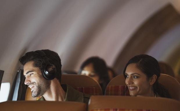 CES 2020: JBL trình làng 2 dòng tai nghe mới cho người dùng phổ thông và cả game thủ - Ảnh 10.