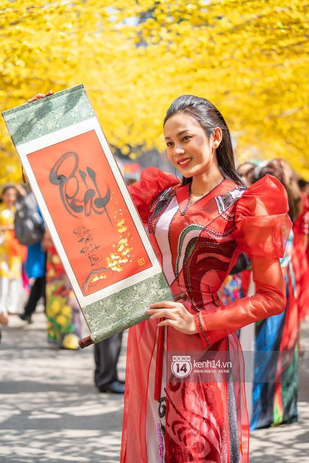 Lương Mỹ Kỳ diện áo dài đỏ rực, tươi tắn đón cái Tết đầu tiên hậu chuyển giới - Ảnh 15.