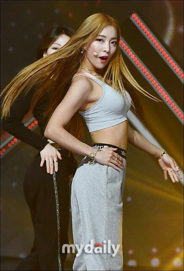 """Hát hay lại còn nhảy đỉnh, Rosé (BLACKPINK) hay Seulgi (Red Velvet) xứng danh hơn ngôi vị nữ idol """"giỏi toàn diện"""" của KPOP? - Ảnh 9."""