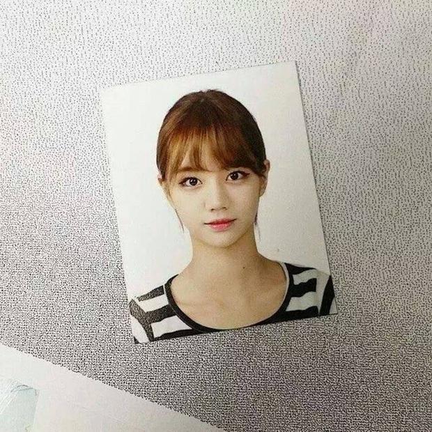 Son hồng, cam tươi vẫn luôn bị hắt hủi là sến nhưng nhìn ảnh thẻ của idol Hàn bạn sẽ hiểu chúng có công lớn thế nào - Ảnh 3.