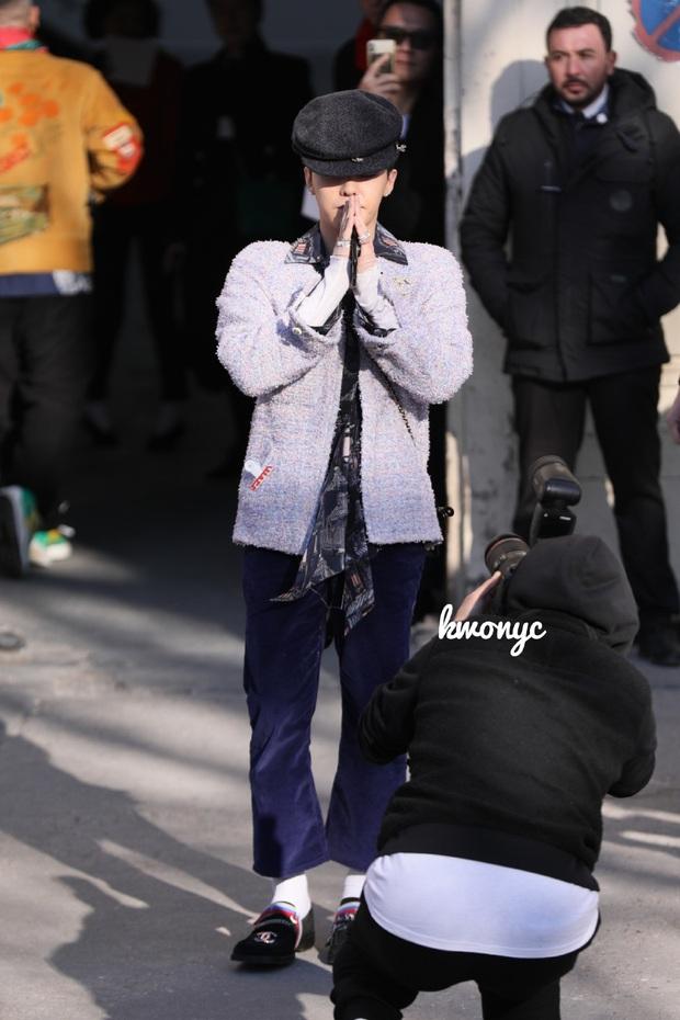 Lần đầu tái xuất tại show Chanel sau khi xuất ngũ, G-Dragon lọt luôn top 3 trending trên Twitter vì visual quá đỉnh - Ảnh 2.