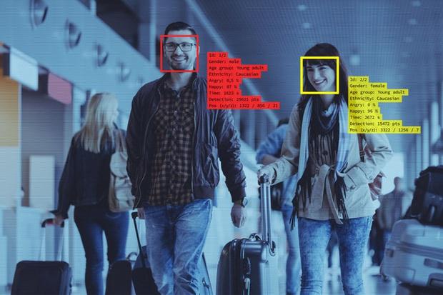 Lộ diện ứng dụng giúp người lạ tìm thông tin bất kỳ ai chỉ dựa vào một bức ảnh, bá đạo đến mức cả FBI cũng phải dùng - Ảnh 2.