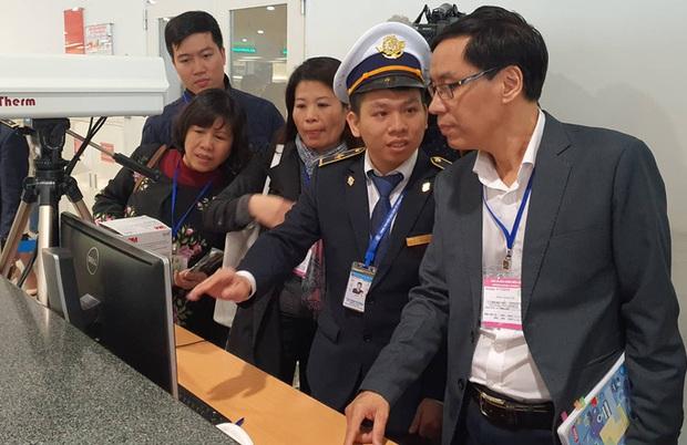 4 người tử vong do virus viêm phổi lạ ở Trung Quốc, Bộ Y tế kiểm tra Sân bay Nội Bài - Ảnh 1.