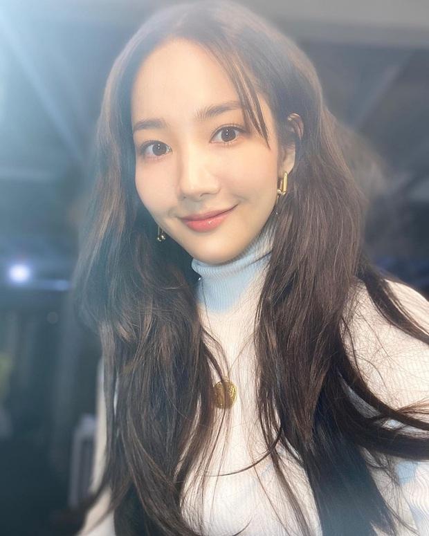 Nhan sắc của Park Min Young cứ trồi sụt thất thường: Tội vạ là do kiểu tóc hết, bạn cần tham khảo để tránh đi vào vết xe đổ - Ảnh 4.