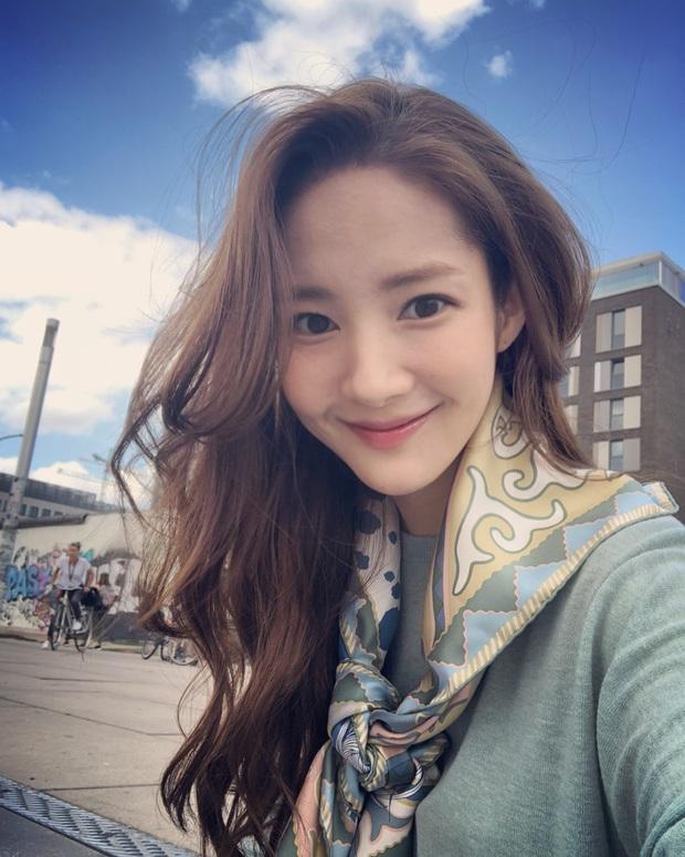 Nhan sắc của Park Min Young cứ trồi sụt thất thường: Tội vạ là do kiểu tóc hết, bạn cần tham khảo để tránh đi vào vết xe đổ - Ảnh 6.