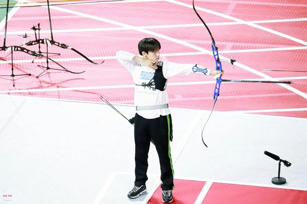Loạt Idol khiến BTC đại hội thể thao sợ xanh mặt vì liên tục làm vỡ camera khi thi bắn cung - Ảnh 9.