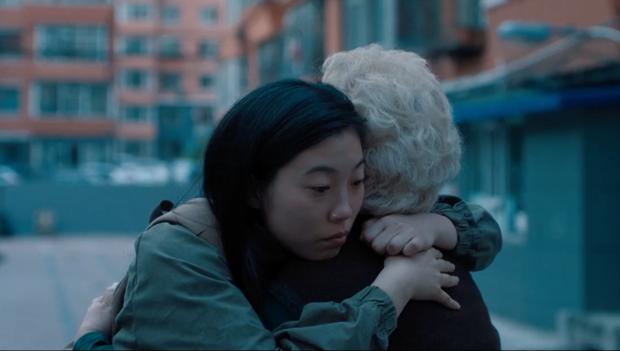 Nội dung quá bình thường, không có diễn viên ngôi sao: Lời Từ Biệt (The Farewell) gom giải khắp thế giới nhưng lại bị khán giả Trung Quốc  quay lưng thờ ơ? - Ảnh 5.