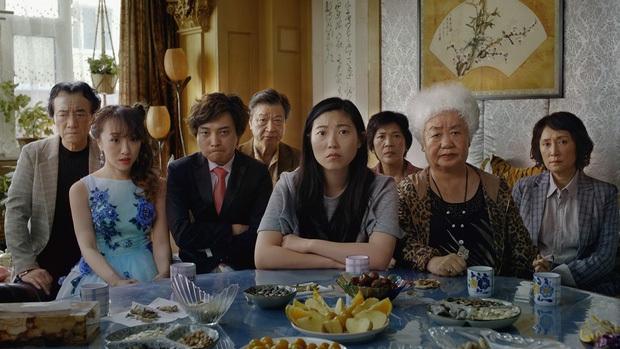 Nội dung quá bình thường, không có diễn viên ngôi sao: Lời Từ Biệt (The Farewell) gom giải khắp thế giới nhưng lại bị khán giả Trung Quốc  quay lưng thờ ơ? - Ảnh 2.